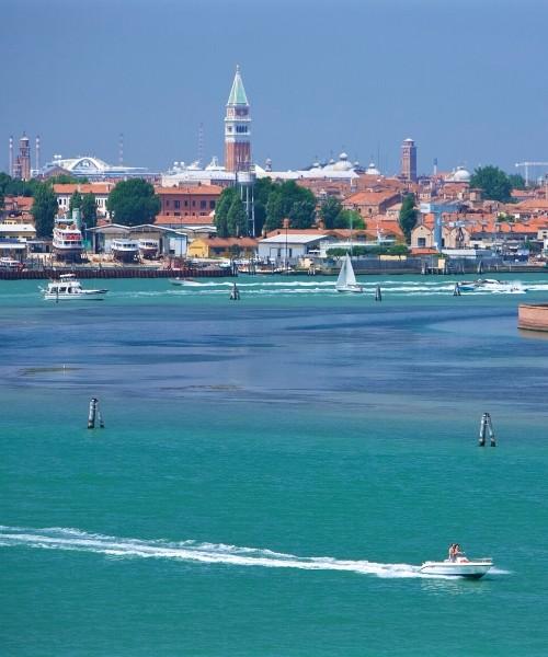 Barche nella laguna di Venezia